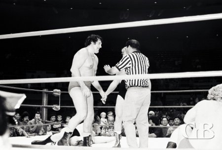Billy Robinson argues a point with referee Wally Tsutsumi