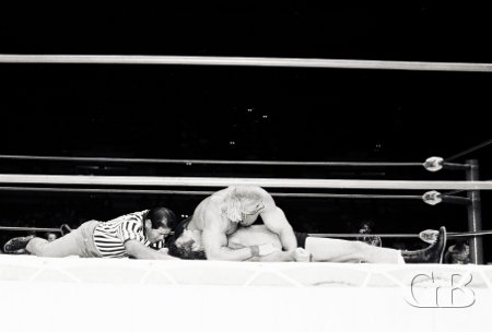 Billy Graham pins Ed Francis in the middle of the ring