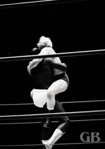 Bearcat Wright applies the Bear Hug on Ray Stevens.