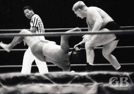 In the special Judo match, Karl Gotch uses his judo belt to dispatch Kongozan.