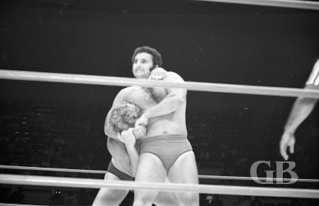 Fred Curry with a headlock on The Sheik.
