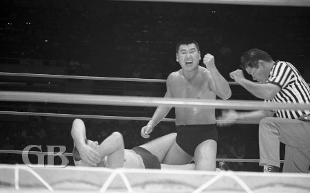 The Great Kusatsu subs for Giant Baba in this championship match.
