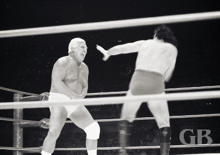 Johnny Barend sizes up Blassie for another blow