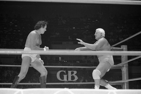 Champion Johnny Barend and Blassie square off in the middle of the ring.