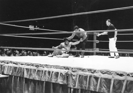Iaukea works over Pedro before match
